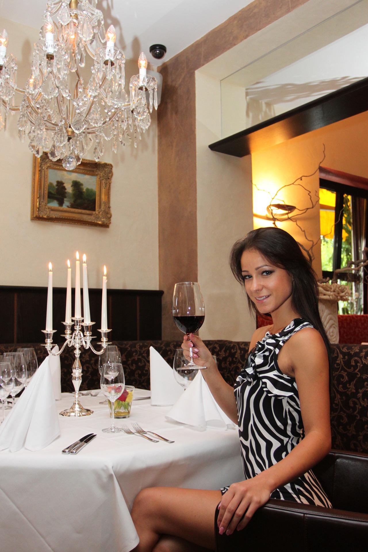 restaurant-1248735_1920